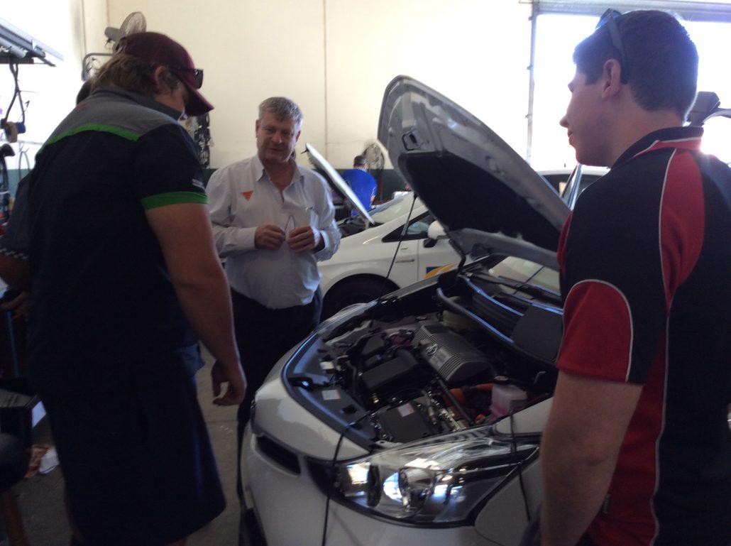 Hybrid/Electric Vehicle (HEV) Training    Automotive